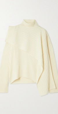 Ribbed wool turtleneck sweater and scarf set